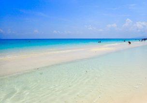 バンブー島の美しいビーチ