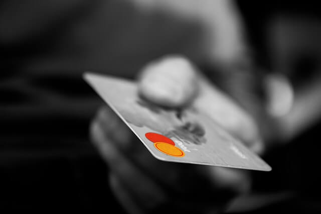 不正利用されるクレジットカード