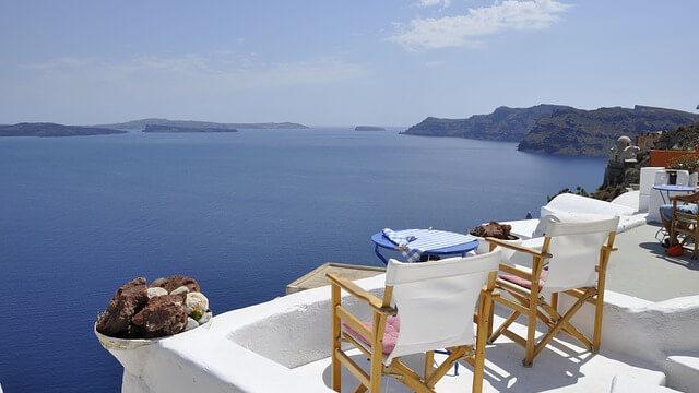 ギリシャのサントリーニ島のイス