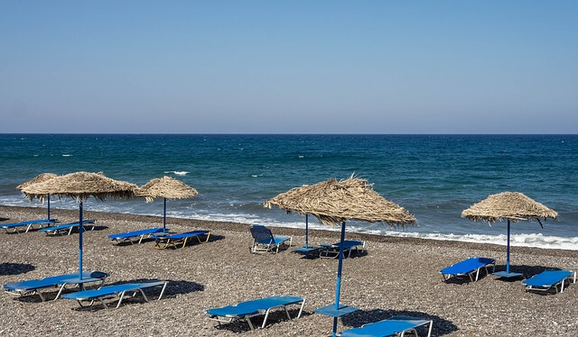 ギリシャのサントリーニ島のビーチ