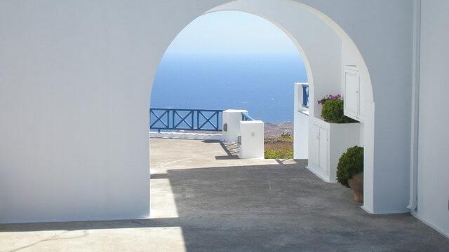 ギリシャのサントリーニ島の町の中5