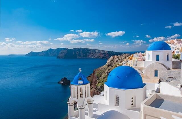 ギリシャのサントリーニ島の青いドーム3
