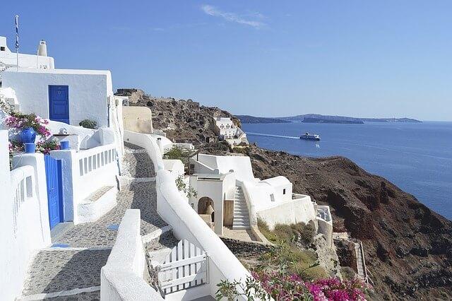 ギリシャのサントリーニ島の小道