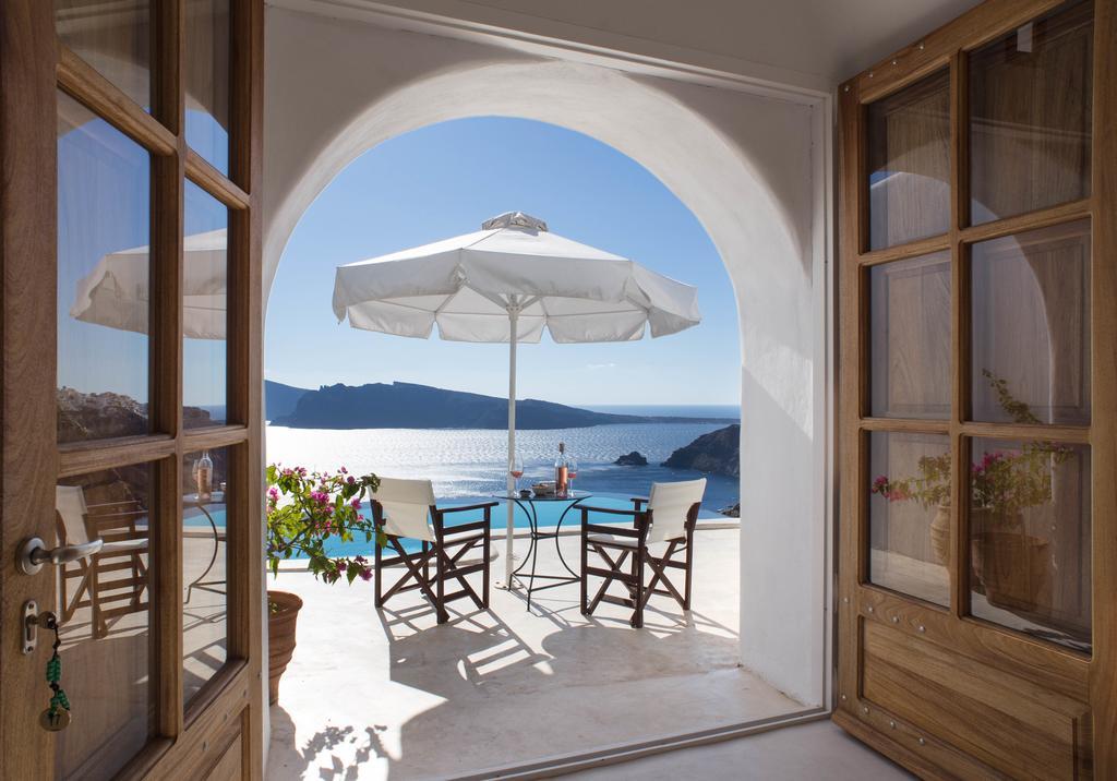 サントリーニ島のインスタ映えホテル:ペリボラス