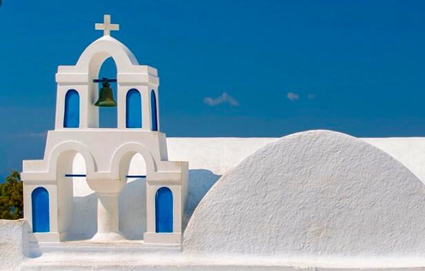 サントリーニ、イアの有名な白い教会