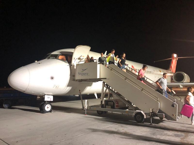 サントリーニ島の空港(VOLOTEA)