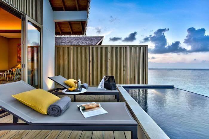 ハードロックホテル モルディブのプール付き水上ヴィラ