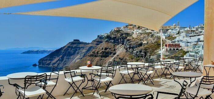 Cori_Rigas_Suites-Fira-Santorini-Art_Cafe_mXXViIy