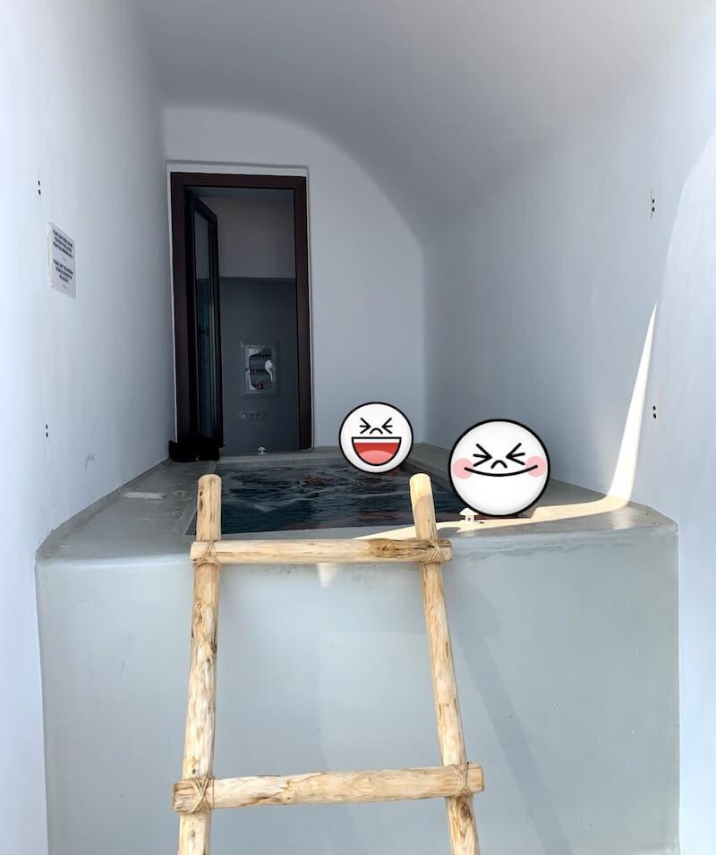 プライベートプール付きの部屋@サントリーニ島