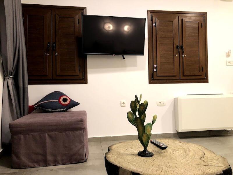 フィラのおすすめホテル(Irene City Villas)寝室のテレビ