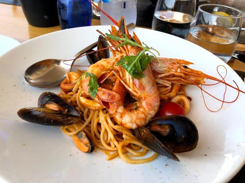 フィラのレストランClassicoの料理(海鮮パスタ)