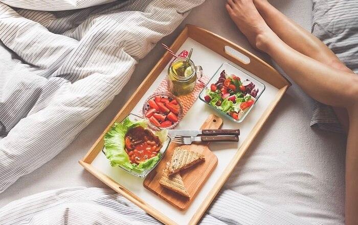 朝食やルームサービス