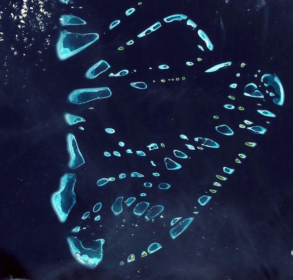 モルディブの環礁(ラー環礁、バー環礁)