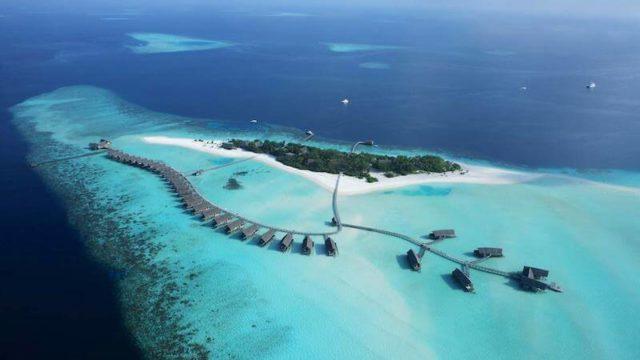 モルディブ水上コテージ上空撮影